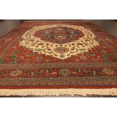Rare Persian palace carpet, Indo Heriz, 1970, made in India, 340 x 240 cm