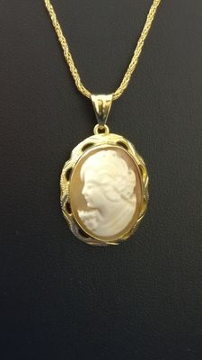 Necklace with cameo pendant – 18 kt gold (750/1000) ***No reserve price***