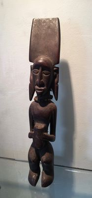 Beautiful wooden statuette - TCHOKWE - Ex- Belgian Congo