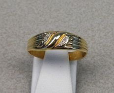 Yellow gold ring of 14 kt, with diamond, ring size: 18.5 mm