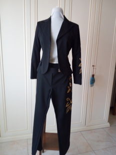 Women's suit. Marbella model.