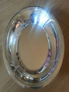 two silver plated storage trays/bread baskets in excellent condition