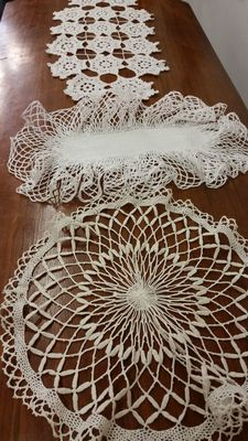 Lot of 3 pillow lace / crochet doilies, Italy, circa 1920