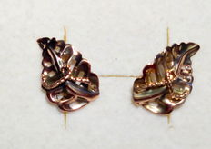 18 kt gold earrings in the shape of a leaf – approx. 1.8 cm x 1.1 cm