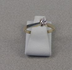 14 kt yellow gold solitaire ring with brilliant cut diamond, 0.15 ct Ring size: 16.5 mm