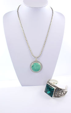 Chain, pendant and bracelet handmade in sterling silver, 925/1000 with turquoises