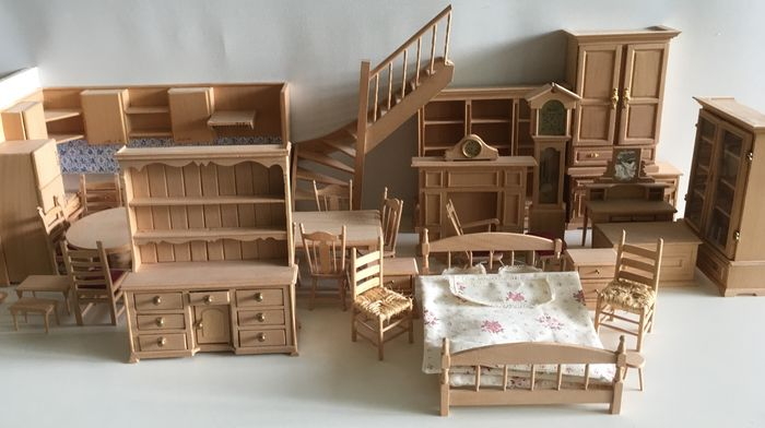 Handmade Wooden Dollhouse Inventory Scale 1 12 Catawiki