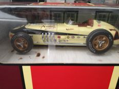 Carousel 1 - Scale 1/18 - Kurtis Kraft Roadster #7 'Indianápolis 500' 1956 - Pat O Connor
