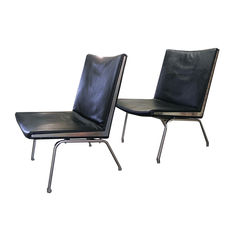 Hans J Wegner for AP STOLEN  - 2x Airport chair model AP 40
