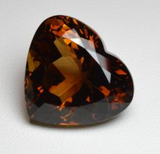Champagne topaz gemstone of 29.16 ct.