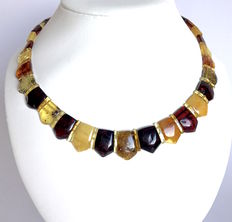 Necklace of Baltic amber slices - length 46 cm