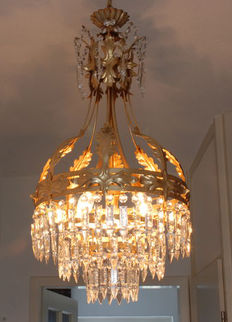 Chandelier decorated with icicle crystals, second half 20th century, France