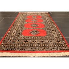 Beautiful handwoven Persian carpet, Pakistan Bukhara 165 x 95 cm, made in Pakistan, Tappeto set Tapis carpet runner Oriental carpet