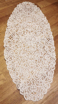 Oval-shaped doily, Southern Italy, circa 1920