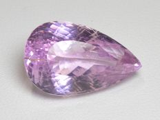 Sparkling pink kunzite gemstone of 20.77 ct - No reserve price.