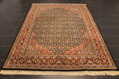 Oriental carpet - Indo Tabriz - made in India - end of the 20th century - 175 x 240 cm