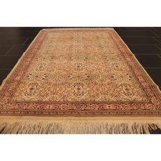 Beautiful antique Oriental carpet Berber rug made by nomads around 1950's, 190 x 125 cm made in Tunisia Tapijt Tappeto Tapis carpet