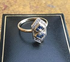 Vintage Art Deco style ring with diamonds and natural sapphires