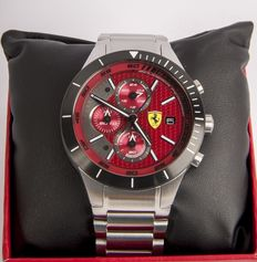 Scuderia Ferrari - Model: RedRev Evo 0830269 - Men's chronograph  New