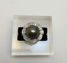925 Silver. Ring with Tahiti 11 mm. Ring diameter 1.5-1.9 cm.