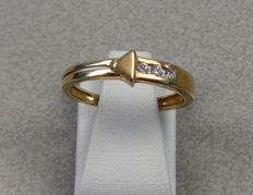 14 kt yellow gold ring set with 3 zirconias - 16.8 mm