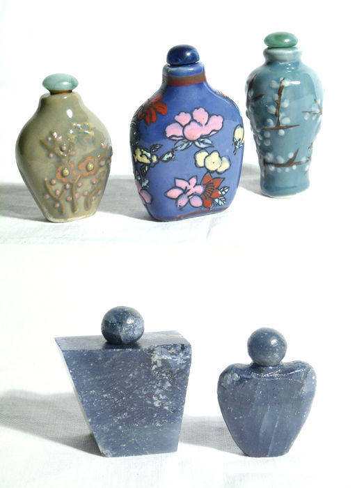 A lot of unusual snuff bottles (snuff tobacco bottles) – 5 bottles – China – end of the 20th century