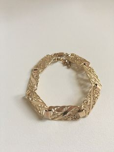 14Kt gold stylish bracelet