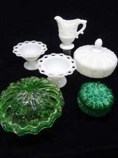 Malachite soap box / uranium glass bowl / various opaline glass - 1930-1950 Czech Republic - France