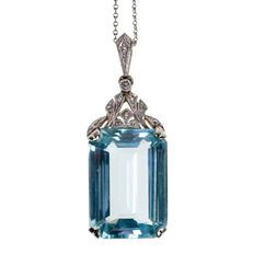 Aquamarine and  Diamond white gold pendant, design era: Art Deco (1915-1935)