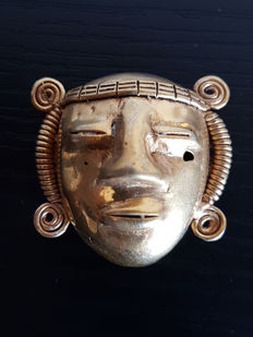 Pre-Colombian tumbaga Golden Mask - 40 x 43 x 25 mms , 29.2GRS