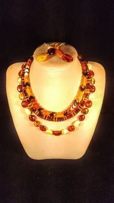 Set of 4 Genuine Baltic amber multicolour necklaces and earrings, 80 grams