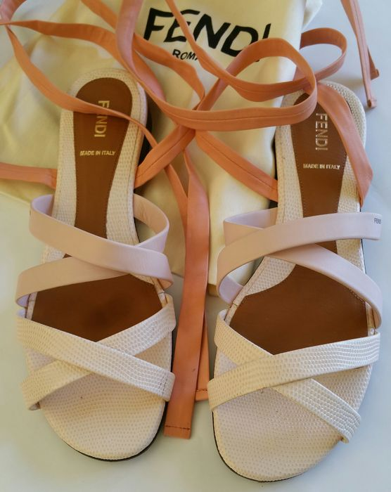 0a4d8c79a0f Fendi – Gladiator sandals in pink leather - Catawiki