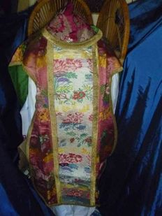 Ancient priestly chasuble - Belgium - 19th, 20 th c.