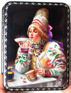 "Russian lacquer box -""Fedoskino"" – Russian Tea Party - Dimensions: 10 cm x 8 cm x 3 cm"