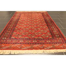Beautiful handknotted Persian carpet, Pakistan Bukhara, 190 x 130 cm, made in Pakistan, runner
