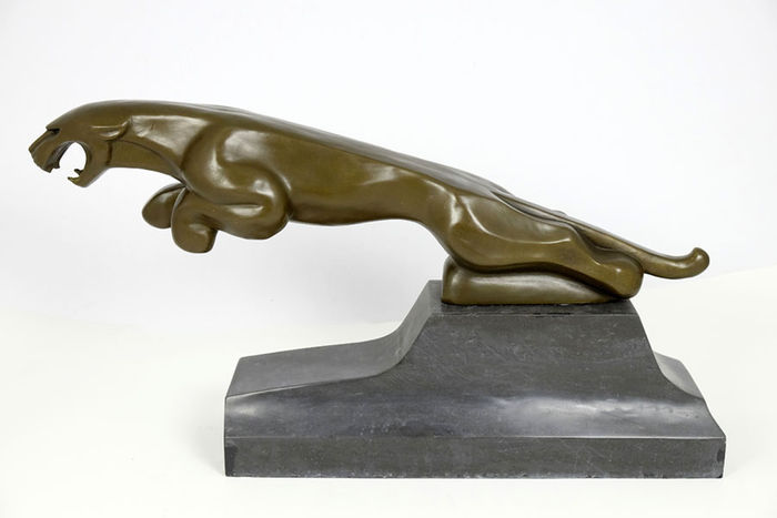 Jaguar - very large solid bronze sculpture on stone base - 60 cm long - over 21 kg