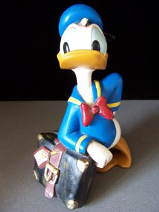 Disney, Walt - Figure - Donald Duck leaning on suitcase (1980s)