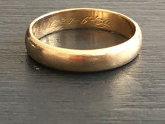Gold wedding ring from 1939 – 3.8 g