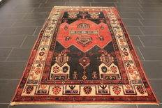 Old high quality handwoven Persian carpet Malayer, Made in Iran circa 1950, plant colours, 150 x 240 cm