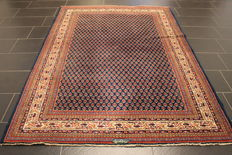 Magnificent handwoven Persian Sarough Mir carpet 172 x 236 cm. Made in Iran. Best highland wool around 1970/1980