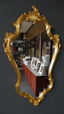 Large Venetian crest mirror - hand-gilded - gold-coloured