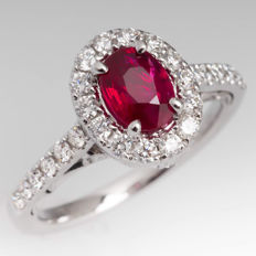 White gold ring with ruby (0.72 ct) and diamonds (G/VVS, 0.30 ct)