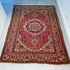 Semi-authentic Bakhtiar Persian carpet - 201 x 150 - very good condition - with certificate.