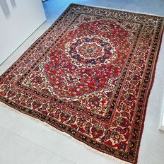 Very special semi-antique Bakhtiar Persian carpet – 201 x 150 – very good condition – with certificate