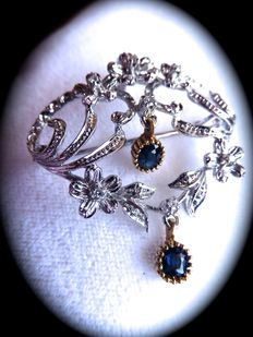 Pendant and brooch in 18 kt gold with 7 brilliant cut diamonds and 2 sapphires - 1950s