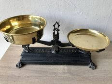 Antique English Kitchen Scale.