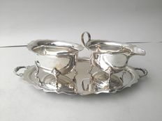 Wonderful 3-piece set with tray, gravy jug and sugar bowl, silver plated B. H LTD