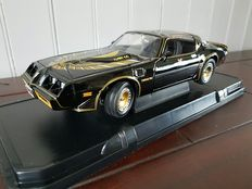Greenlight - Scale 1/18 - Pontiac Firebird 1980 'Smokey and the Bandit' - Black
