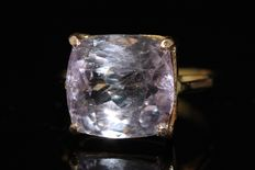 18 kt gold ring set with natural kunzite, 11 ct, US size 7.50