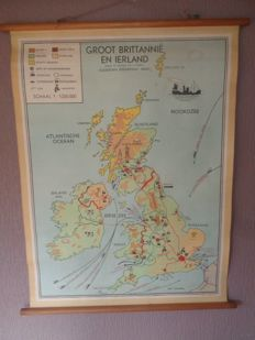 """Old school poster/map/school board of """"Great Britain and Ireland"""" Bakker and Rusch, with sheep, cattle shed, coal, textile, etc."""